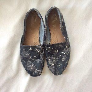 ❗️  Toms Blue White Paisley Flats Shoes Size 7W